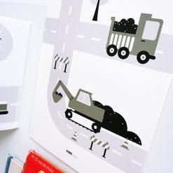 Kinderkamer poster met olijfgroene tinten, voertuigen en graafmachine