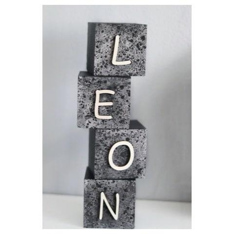 naamblokken - houten blokken - houten blok met naam - decoratie kinderkamer - handgemaakte naamblokken