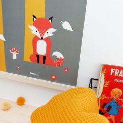 Kinderkamer poster met vos in het bos in het olijfgroen en okergeel