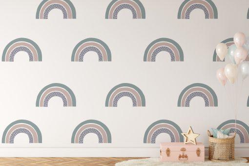 Kinderkamer met regenbogen behang