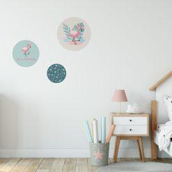 Kinderkamer in flamingo stijl met muurcirkels